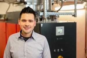 """Johannes Kleinsteuber, Energiemanagementbeauftragter und CF Koordinator bei Hirschvogel: """"Als energieintensives Unternehmen ist es für uns wichtig, dass wir unsere Energieeffizienz ständig verbessern und somit auch unsere Wettbewerbsfähigkeit erhalten."""" Bild: Hirschvogel"""