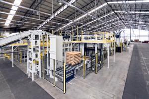 Mehr als 700 Verpackungsmaschinen für die Grundstoffindustrie werden jährlich in den Hallen der MAschinenfabrik Haver & Boecker gefertigt. Bild: H&B