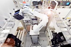 Auch bei der Herstellung der Produkte achtet Infineon stets darauf, ökologisch und ökonomisch nachhaltig zu agieren. Bild: Infineon