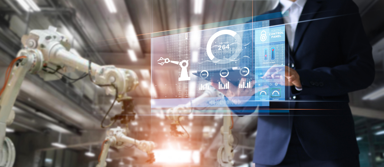 Bildtext: Als Daten- und Informationsdrehscheibe sorgt ein leistungsstarkes MES mit seinen Digitalisierungsfähigkeiten im IIoT für Transparenz, höhere Qualität und durchgängige Dokumentation in der Fertigung. Bild: Industrie Informatik