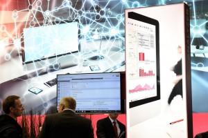 Work smarter, not harder: Die neue CEBIT macht im Juni 2018 fit fürs Digital Office. In den Hallen 14 bis 17 finden IT-Professionals und Entscheider aus Unternehmen, öffentlichem Sektor und Handel alles, was für die Digitalisierung von Wirtschaft und Verwaltung notwendig ist – von Data Management und Cloud Applications über Customer Centricity bis zum Workplace 4.0.